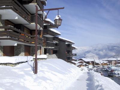 Vacances en montagne Résidence les Côtes - Valmorel - Extérieur hiver