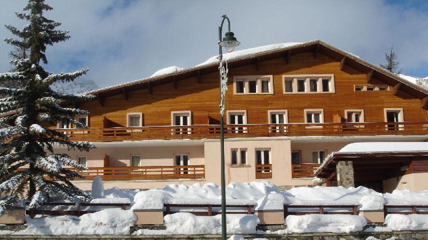 Location au ski Residence Les Myrtilles - Vars - Extérieur hiver