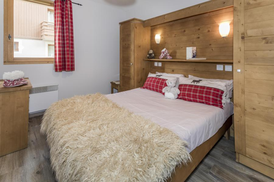 Rent in ski resort 4 room duplex apartment 8 people - Les Chalets Des Rennes - Vars - Double bed