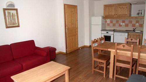 Rent in ski resort 2 room apartment 6 people (U003) - Résidence Ecrin des Neiges - Vars - Table