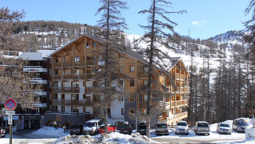 Vacances en montagne Résidence Ecrin des Neiges - Vars - Extérieur hiver