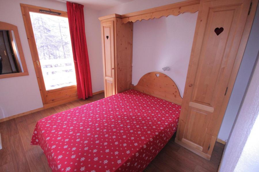 Rent in ski resort Résidence Ecrin des Neiges - Vars - Bedroom