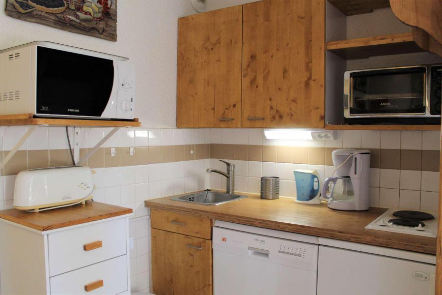 Rent in ski resort Studio sleeping corner 4 people (548) - Résidence l'Eyssina - Vars