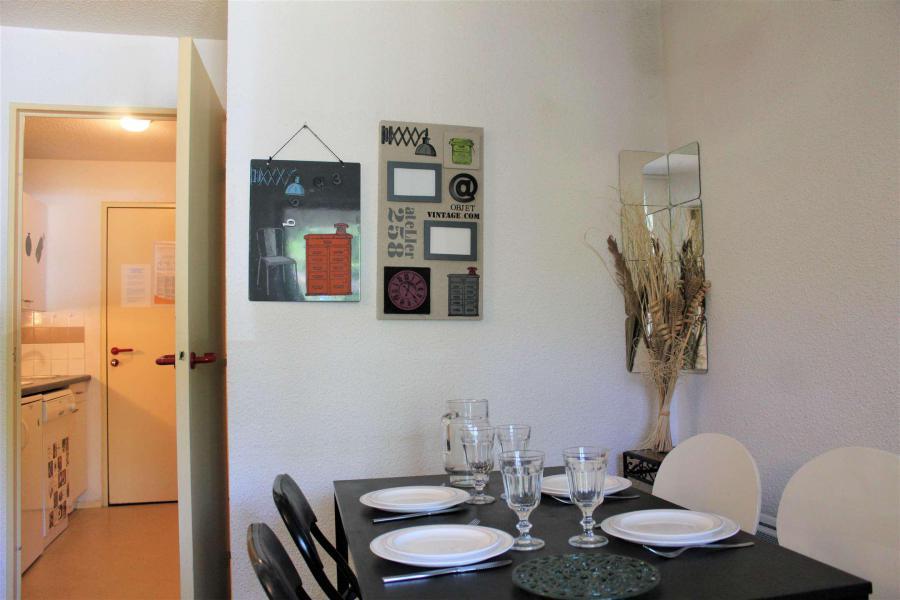 Rent in ski resort Studio cabin 4 people (438) - Résidence l'Eyssina - Vars - Cabin