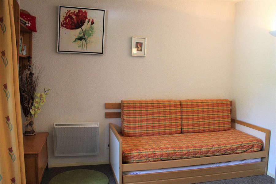 Rent in ski resort Studio cabin 4 people (438) - Résidence l'Eyssina - Vars - Sleeping area