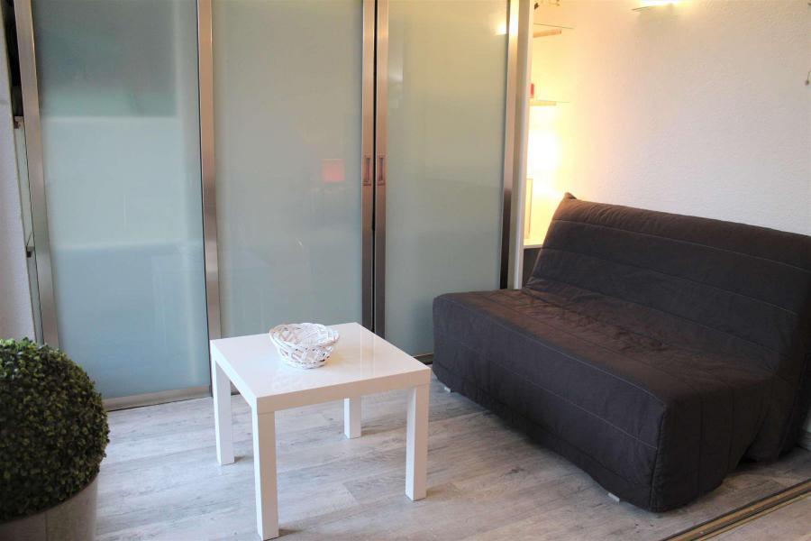 Rent in ski resort Studio cabin 4 people (888) - Résidence l'Eyssina - Vars - Settee