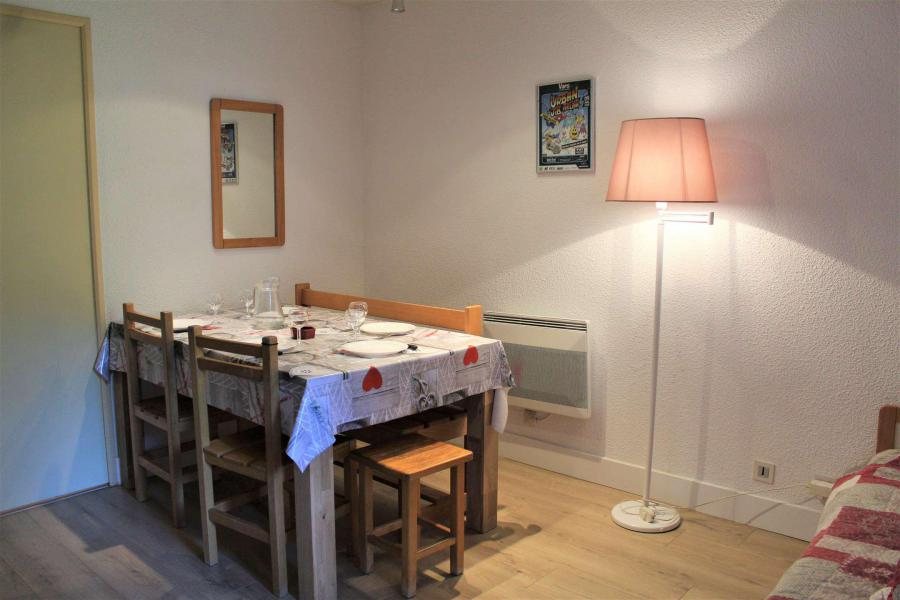 Rent in ski resort Studio cabin 6 people (670) - Résidence l'Eyssina - Vars - Apartment