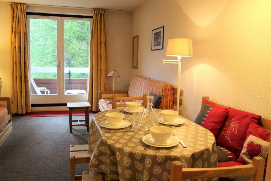 Rent in ski resort Studio sleeping corner 4 people (665) - Résidence l'Eyssina - Vars - Living room