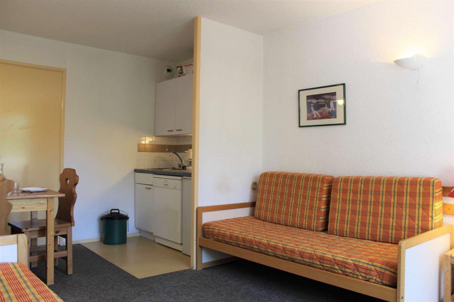 Rent in ski resort Studio sleeping corner 4 people (887) - Résidence l'Eyssina - Vars - Bed-settee for 1 person