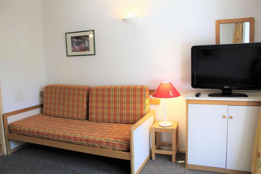 Rent in ski resort Studio sleeping corner 4 people (887) - Résidence l'Eyssina - Vars - Bench seat