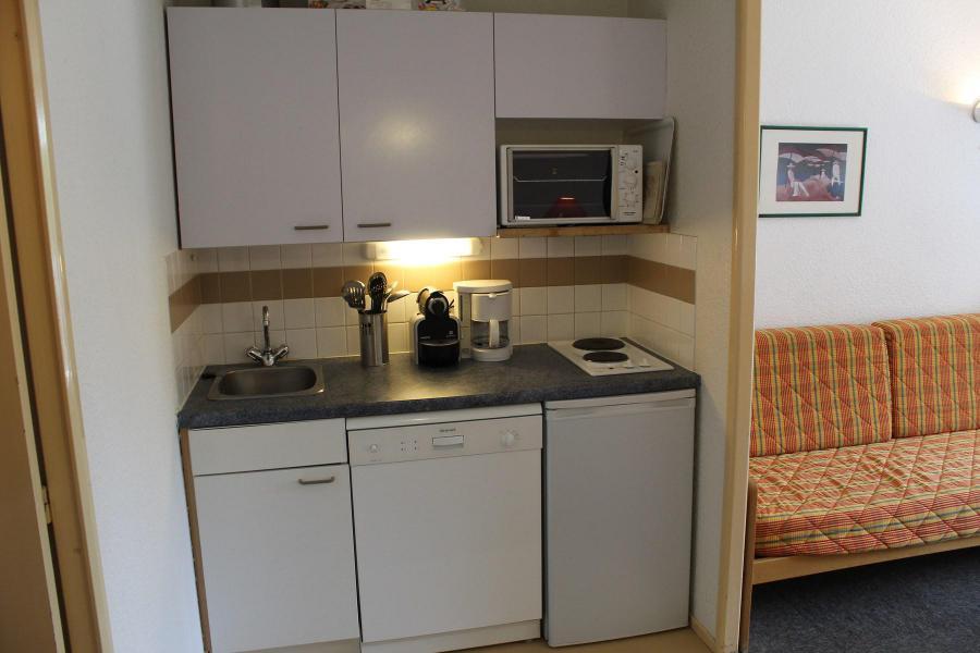 Rent in ski resort Studio sleeping corner 4 people (887) - Résidence l'Eyssina - Vars - Kitchenette