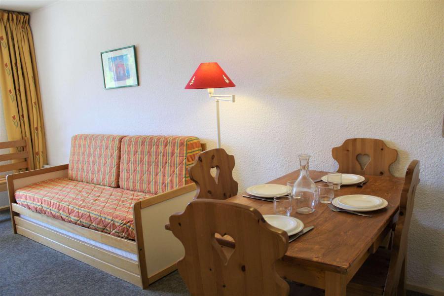 Rent in ski resort Studio sleeping corner 4 people (887) - Résidence l'Eyssina - Vars - Living room