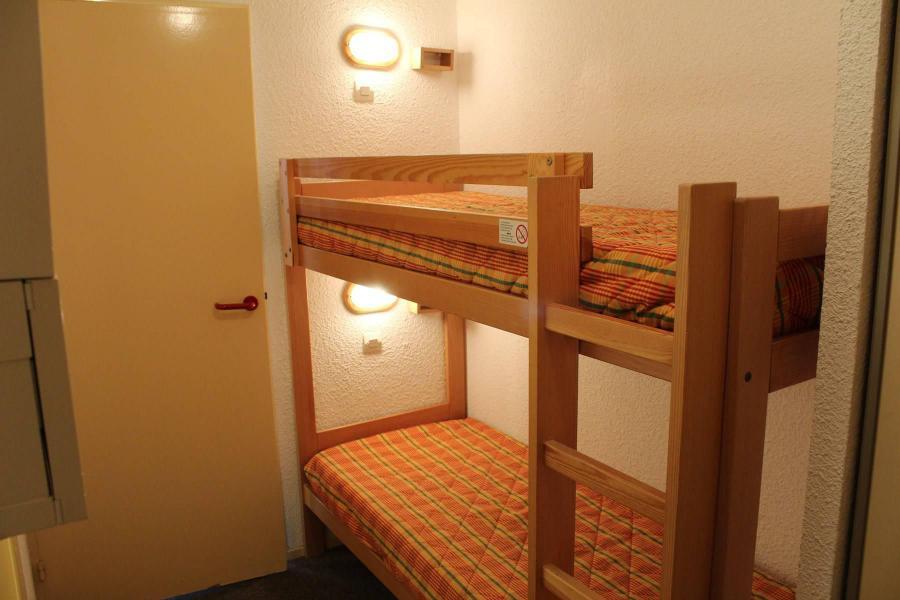 Rent in ski resort Studio sleeping corner 4 people (887) - Résidence l'Eyssina - Vars - Sleeping area
