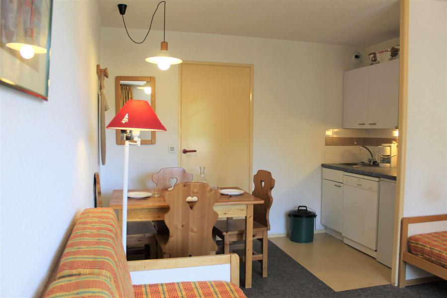 Rent in ski resort Studio sleeping corner 4 people (887) - Résidence l'Eyssina - Vars - Sofa-bed