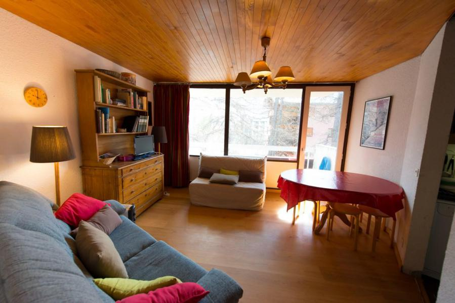 Rent in ski resort 3 room apartment cabin 7 people (712) - Résidence le Chambeyron - Vars