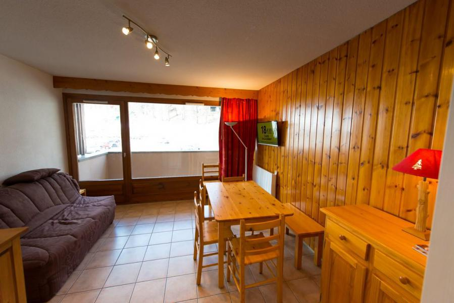 Rent in ski resort 2 room apartment sleeping corner 6 people (14) - Résidence les Bouquetins 1 - Vars - Living room