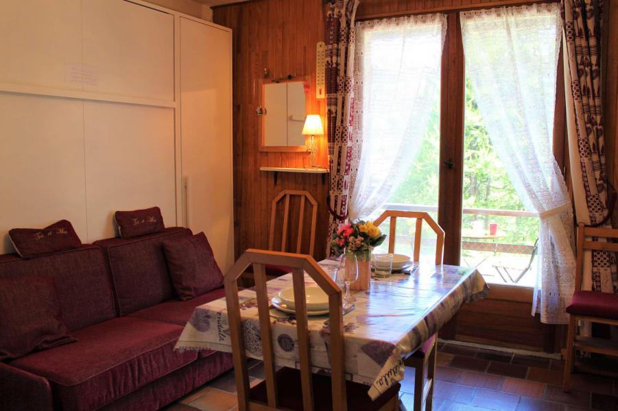 Rent in ski resort Studio 3 people (002) - Résidence les Chabrières - Vars - Winter outside