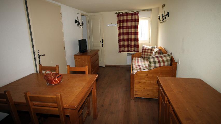 Location au ski Studio coin montagne 2-4 personnes - Résidence Les Myrtilles - Vars - Appartement