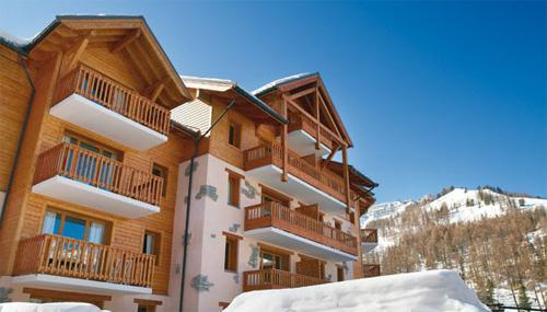 Vakantie in de bergen Résidence Pierre & Vacances l'Albane - Vars - Buiten winter