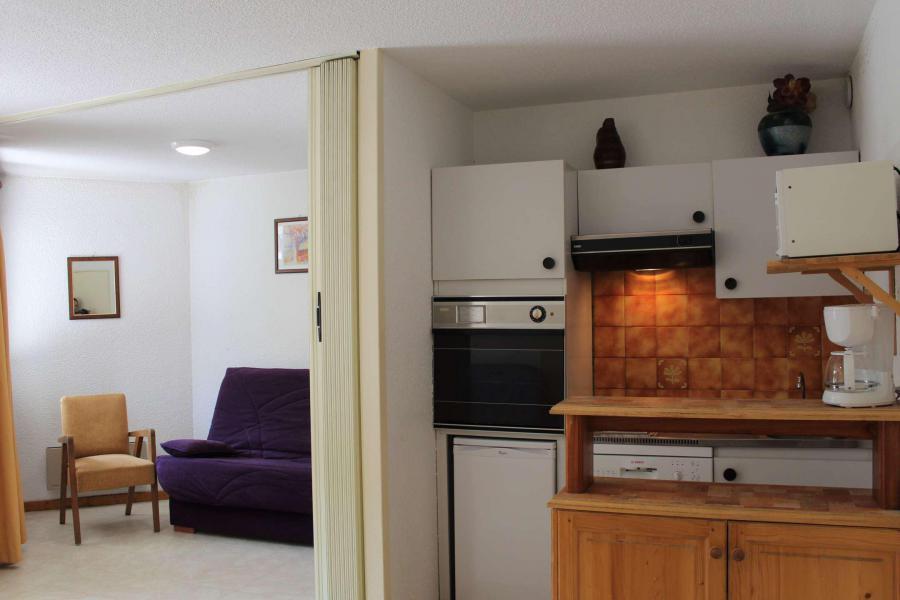 Location au ski Studio cabine 6 personnes (121) - Résidence Ski Soleil - Vars - Kitchenette