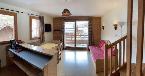 Location au ski Appartement duplex 3 pièces 7 personnes (77) - Chalets des Rennes - Vars