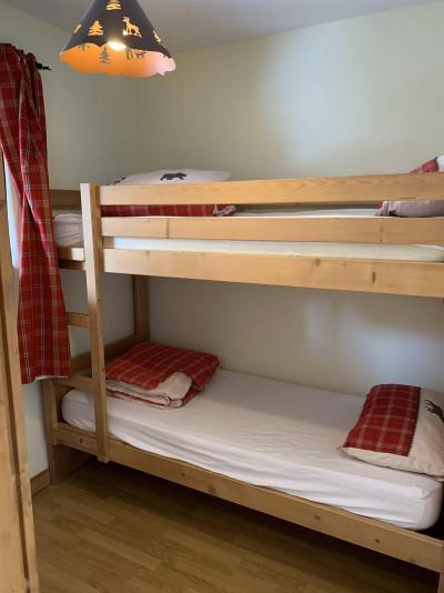 Location au ski Appartement duplex 3 pièces 7 personnes (77) - Chalets des Rennes - Vars - Lits superposés