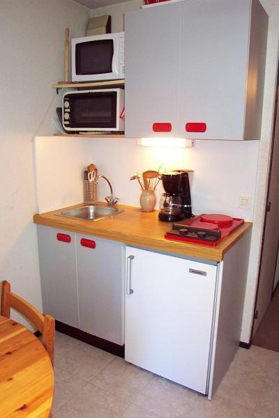 Rent in ski resort 2 room apartment 4 people (0001) - La Résidence Les Colchiques - Vars - Kitchenette