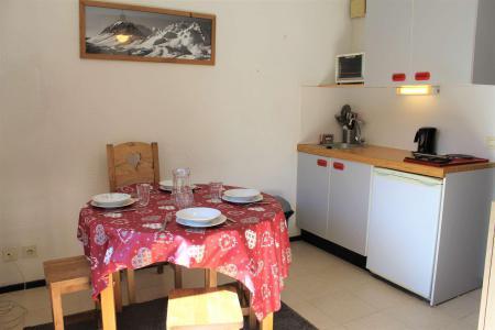 Rent in ski resort Studio sleeping corner 4 people (0405) - La Résidence Les Colchiques - Vars - Living room