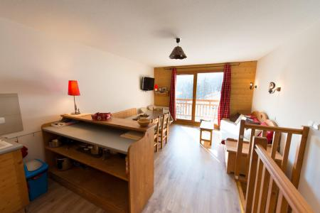 Rent in ski resort 4 room duplex apartment 6 people (D22) - Le Hameau des Rennes - Vars