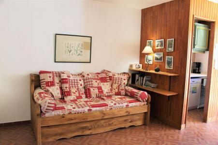 Rent in ski resort Studio sleeping corner 4 people (023) - Résidence Centre Vars - Vars - Living room