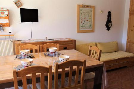 Rent in ski resort Studio sleeping corner 4 people (023) - Résidence Centre Vars - Vars - Pull-out sofa
