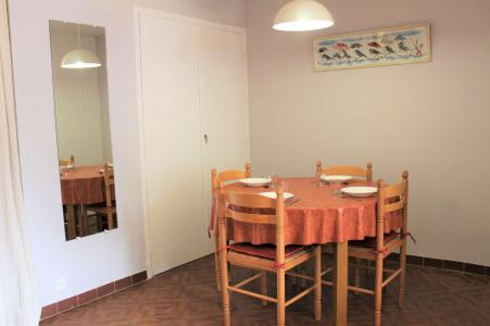 Rent in ski resort Studio sleeping corner 4 people (040) - Résidence Centre Vars - Vars - Bench seat