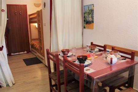Rent in ski resort Studio sleeping corner 4 people (045) - Résidence Centre Vars - Vars - Living room