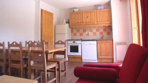 Location au ski Appartement 3 pièces 6 personnes (U004) - Résidence Ecrin des Neiges - Vars - Kitchenette
