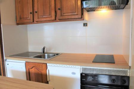 Rent in ski resort Studio cabin 6 people (402) - Résidence l'Olan - Vars - Kitchen