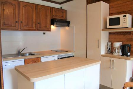 Rent in ski resort Studio cabin 6 people (402) - Résidence l'Olan - Vars - Table