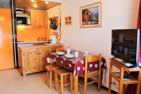 Rent in ski resort Studio sleeping corner 4 people (308) - Résidence Lauzet - Vars