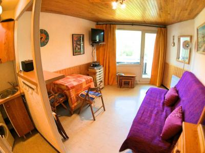 Rent in ski resort Studio sleeping corner 4 people (404) - Résidence Lauzet - Vars - Table