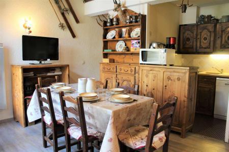 Rent in ski resort 2 room duplex apartment 6 people (025) - Résidence le Hameau - Vars - Table