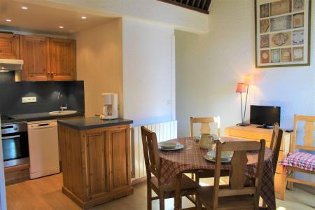Rent in ski resort 2 room duplex apartment 6 people (019) - Résidence le Hameau - Vars