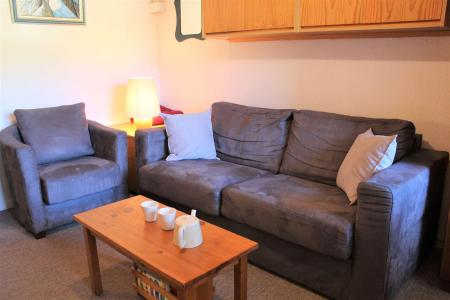 Rent in ski resort 1 room apartment 4 people (807) - Résidence le Lubéron - Vars