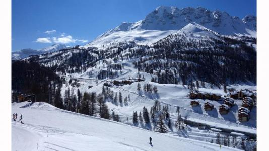 Location au ski Résidence les Chalets des Rennes - Vars - Extérieur hiver