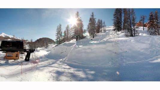 Vacances en montagne Résidence les Chalets des Rennes - Vars - Extérieur hiver