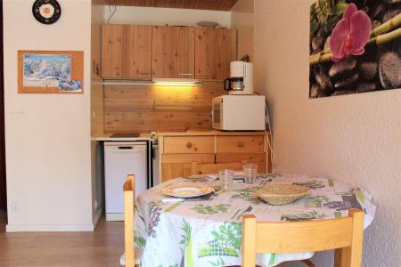 Rent in ski resort Studio 2 people (131) - Résidence les Ecrins 4 - Vars - Living room