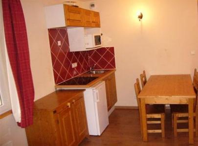 Rent in ski resort Studio sleeping corner 2-4 people (U002) - Résidence les Myrtilles - Vars - Living room
