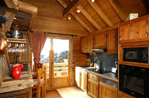 chalet le grenier de germaine vaujany location vacances. Black Bedroom Furniture Sets. Home Design Ideas
