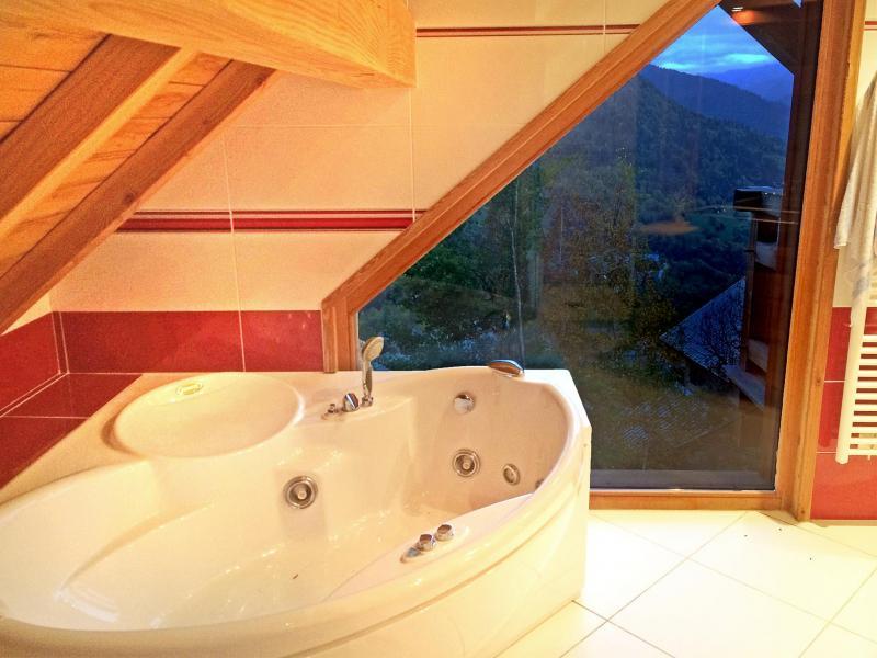 Location au ski Chalet Ysengrin - Vaujany - Baignoire d'angle