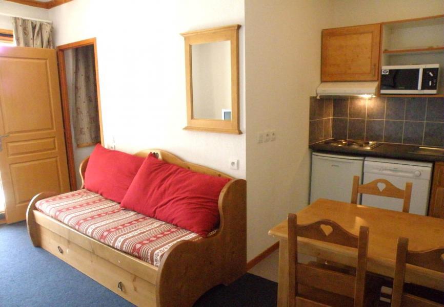 Rent in ski resort Résidence les Valmonts de Vaujany - Vaujany - Living room