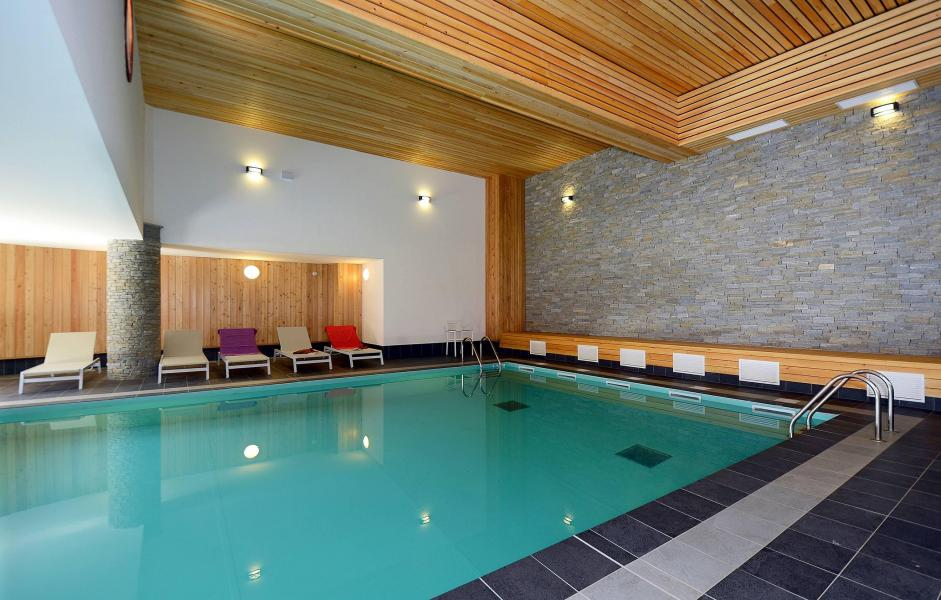 Location au ski Residence Prestige La Cascade - Les Epinettes - Vaujany - Piscine