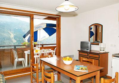 Location au ski Residence Le Dome Des Rousses - Vaujany - Porte-fenêtre donnant sur balcon